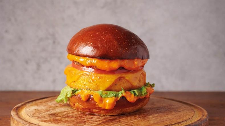 Веджи бургер с двоен чедър и царевица,.