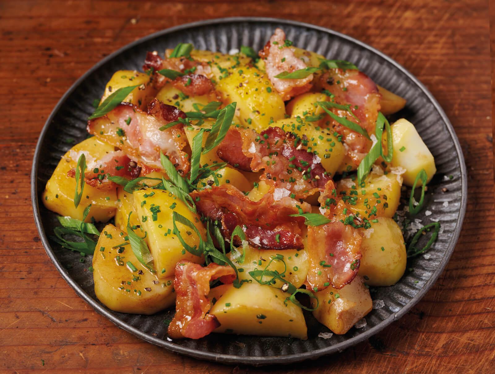 Картофи с панчета