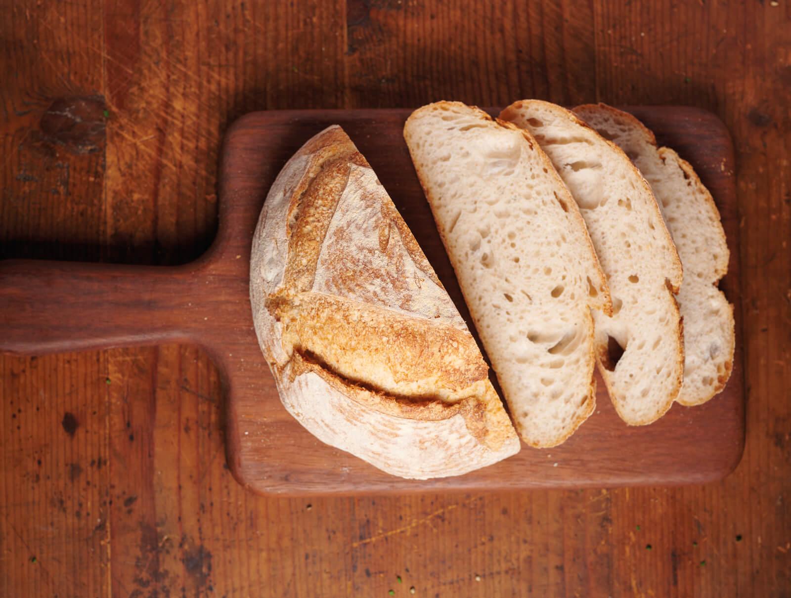 Цял домашен хляб с квас