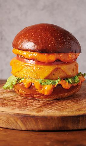 Вегетариански бургер с хрупкава полента.